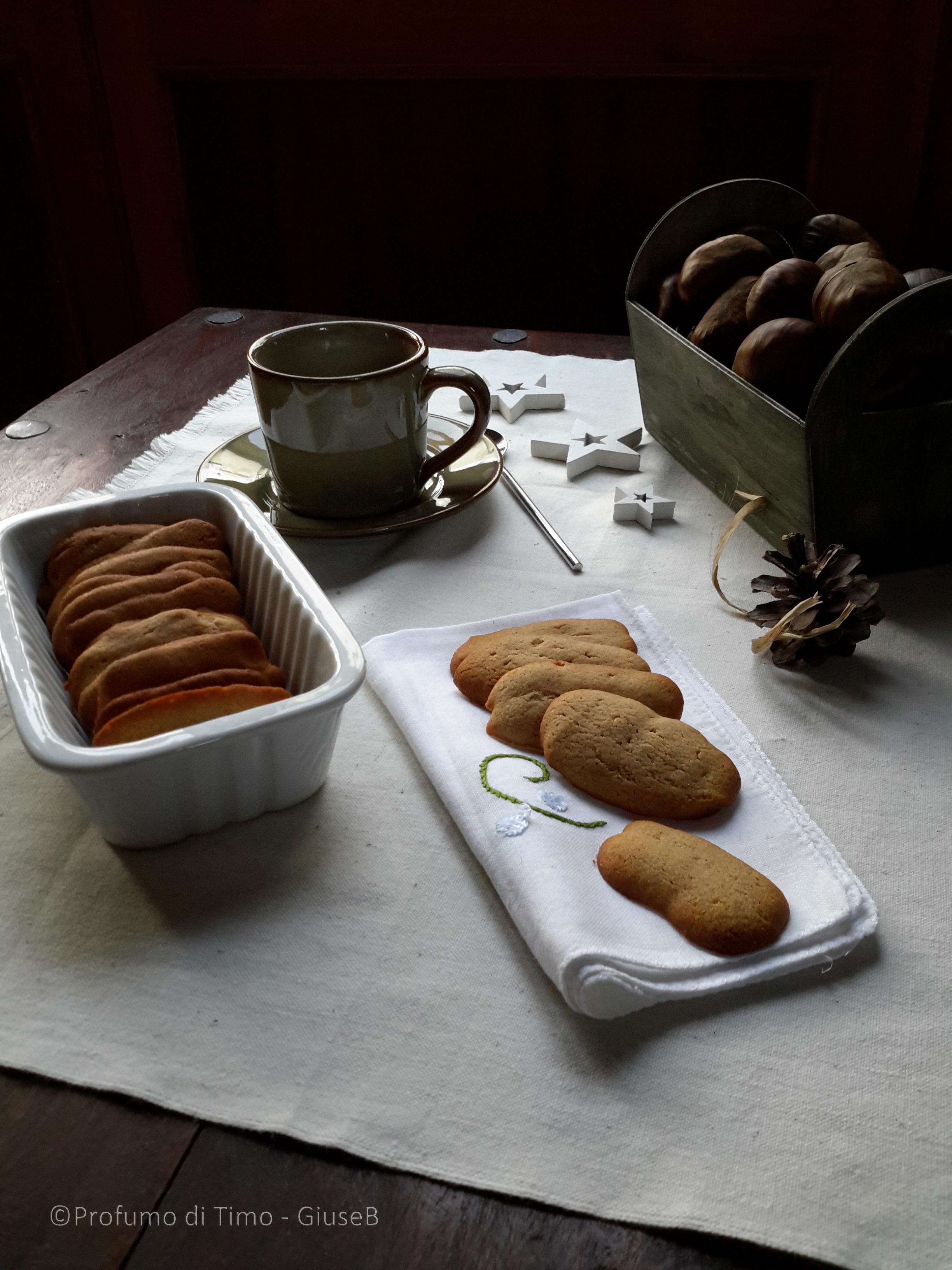 Lingue di gatto con farina di castagne della garfagnana - Sinonimo di diversi ...