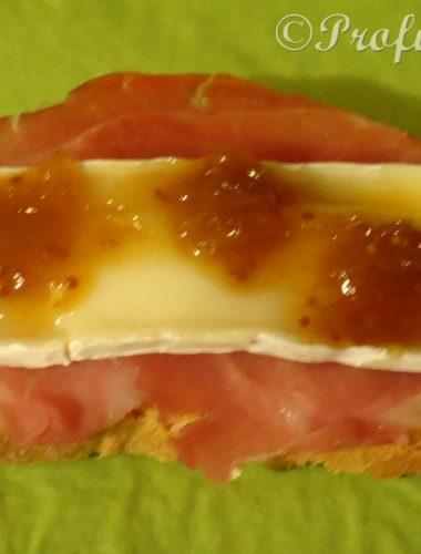 Composta ai Fichi su prosciutto San Daniele, Brie e crostone croccante ovvero la merenda del contadino