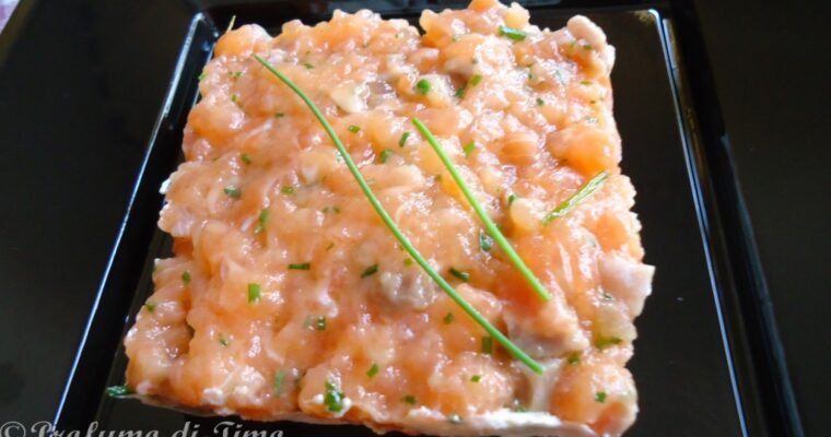 Tartare di Salmone con ginger ed erba cipollina. Stasera cucina Lui.